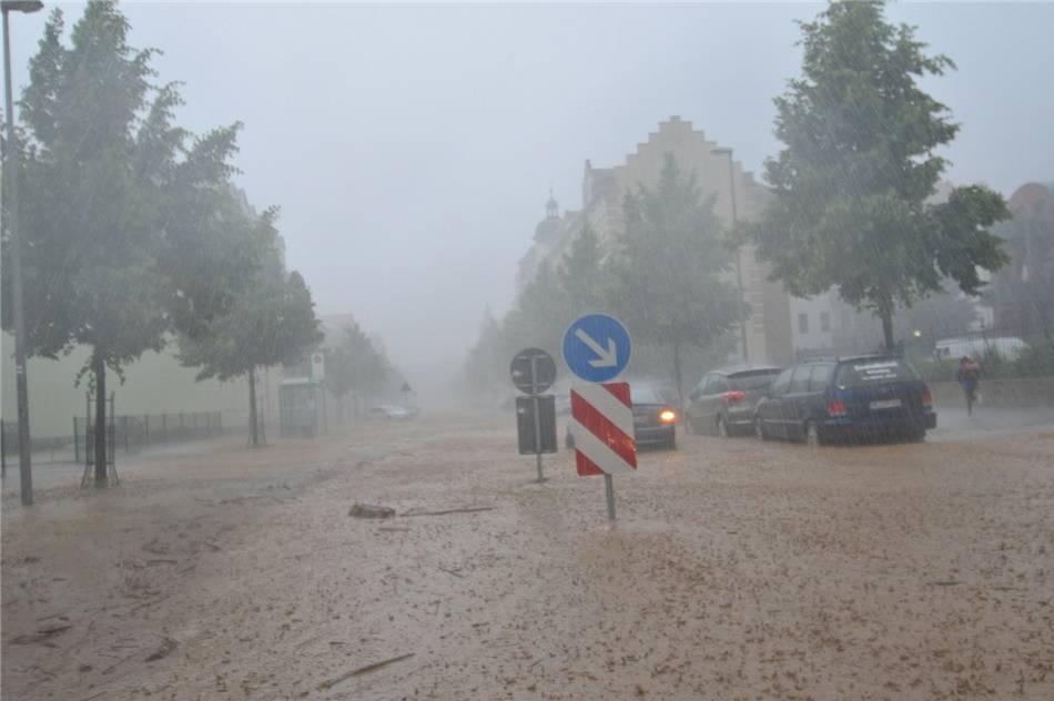 difficolta-alla-viabilita-durante-le-forti-piogge.jpg (950×632)