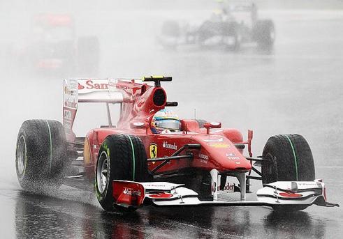 Formula 1 2013 qualifiche gp Australia rinviate a domani per pioggia