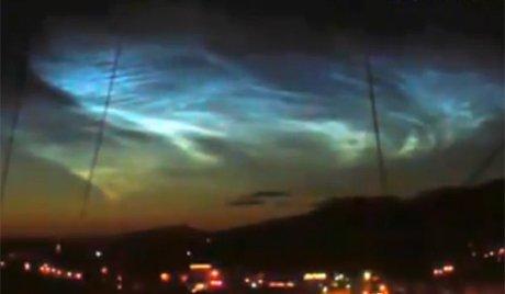 Nubi luminescenti nei cieli russi