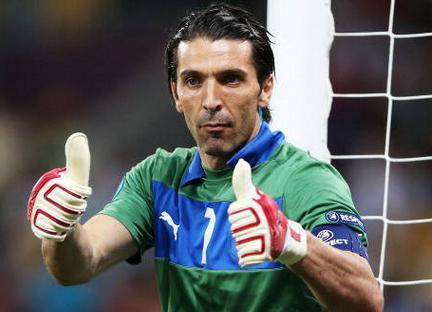 Italia Brasile 2013, Buffon capitano azzurro
