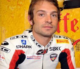 Sbk Guintoli primo nelle qualifiche a Magny Cours