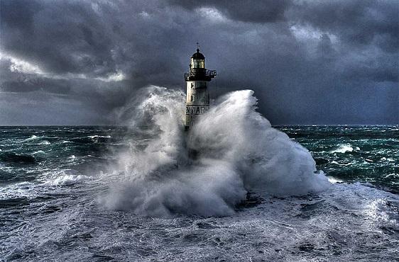 Risultati immagini per immagine di tempesta
