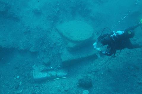 Lipari un tunnel per visitare i resti del porto romano sommerso