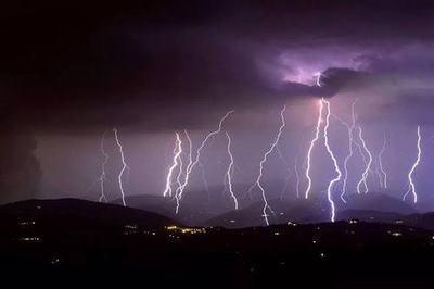 Tempesta di fulmini: in Italia da inizio Giugno ne sono caduti più di un milione e mezzo