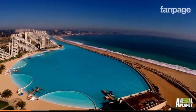 La piscina pi grande del mondo in cile lunga oltre un for La villa piu grande del mondo