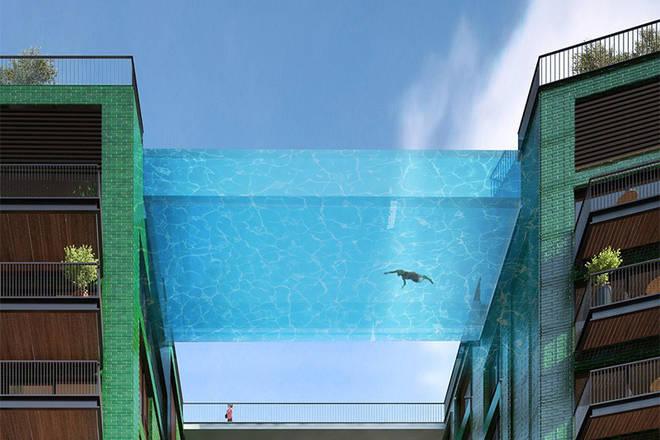 A londra una piscina sospesa tra due grattacieli centro for Piani di piscina gratuiti