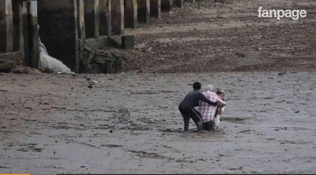 Turisti norvegesi bloccati nel fango in thailandia eroe for Mobili norvegesi