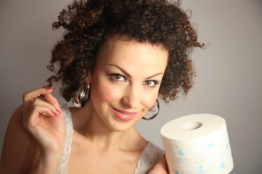 Capelli ricci con la carta igienica, il metodo fai da te ...