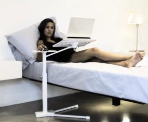 Tablet e smartphone meglio spegnerli prima di dormire causano insonnia centro meteo italiano - Supporto tablet letto ...