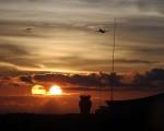 Due soli appaiono in Indonesia: raro fenomeno ottico nei cieli di Tarakan