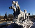 Ondata di freddo in Messico: a Juárez monumenti ghiacciati