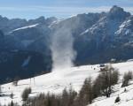 Snow Devil il tornado di neve che si genera con il cielo sereno - video
