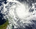 Ciclone Fantala il potente categoria 5 si avvicina sempre più al Madagascar