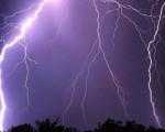 Conoscere la distanza di un temporale si può fare conoscendo il tempo tra fulmine e tuono