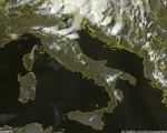 Frame satellitare che mette in evidenza le numerose formazioni temporalesche ora presenti su Emilia-Romagna e Triveneto - 21 agosto 2016