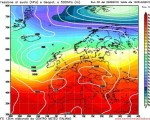 Ultime uscite del modelli che mostrano un vasto anticiclone insistere sul Mediterraneo almeno fino all'inizio di settembre.