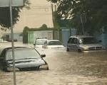 Le strade sono state invase dall'acqua provocando diversi disagi in Messico