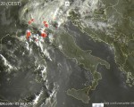 Tempo in atto: maltempo al Nord con piogge e temporali localmente intensi, più stabile al Centro-Sud qualche pioggia sulla Sardegna.