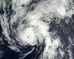 Tifone Malou piogge torrenziali e forti venti spazzano il Giappone