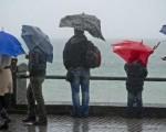 Maltempo Italia: ancora piogge e acquazzoni tra oggi e domani sulla Penisola, neve sulle Alpi fino a quote medie.