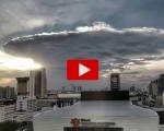 Lo spettacolo del cumulonembo nei cieli della Tailandia