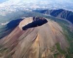 Terremoto, ecco come può innescare un'eruzione vulcanica: Vesuvio, Ischia e Campi Flegrei a rischio