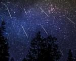 A breve tutti con il naso all'insù per lo spettacolo magico della pioggia di meteore delle Geminidi