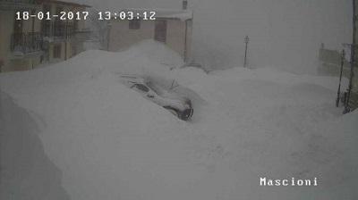 Situazione neve a Campotosto (AQ) 1400mt.