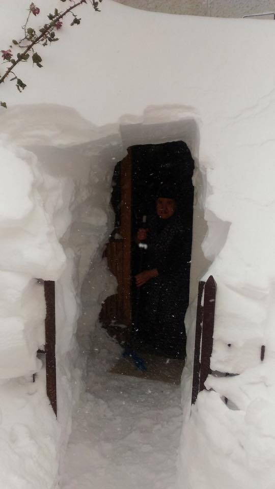 Neve Marche, Abruzzo e Molise: accumuli da oltre 3 metri sommergono interi paesi
