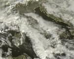 Tempo in atto: intensi nuclei temporaleschi colpiscono la Sicilia occidentale, nubi in aumento e locali piogge sul resto della Penisola 22 gennaio 2017