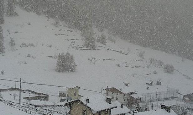 NEVE ALPI: dopo settimane di siccità i fiocchi potrebbero tornare anche sui settori alpini italiani