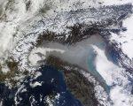 L'Inquinamento presente in Pianura Padana in uno scatto satellitare di Domenica 29 Gennaio.