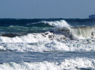 Mari in burrasca e venti forti sull'Italia: attese raffiche fino a 100 km/h e onde alte anche 5-6 metri