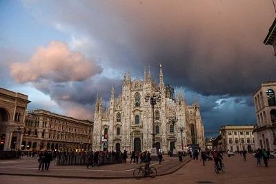 Meteo Milano ancora sole oggi, giovedì 30, qualche nuvola in più da domani, venerdì 31 marzo