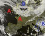 Situazione satellitare relativa alle ultime ore, con la presenza di un vasto campo di alta pressione fra l'Europa occidentale ed il centro nord Italia, mentre un flusso di aria più fredda da nordest continua a determinare instabilità sulle regioni del sud Italia.
