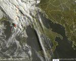 Tempo in atto: perturbazione atlantica porta piogge e temporali al Nord e a seguire su parte del Centro Italia.