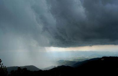 Meteo Italia: anticiclone e bel tempo su gran parte della Penisola, temporali sulle Alpi. I dettagli di quello che ci aspetta nei prossimi giorni e una finestra sull'inizio della prossima settimana 21 luglio 2017