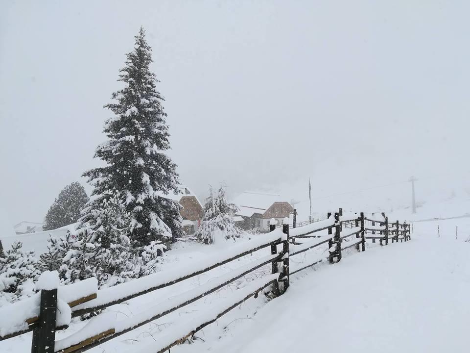 neve non solo italia oltre mezzo metro caduto anche