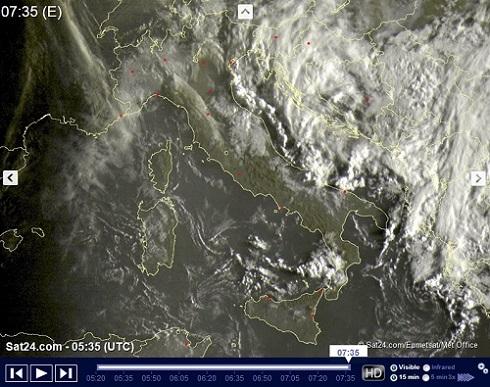 METEO Live: ancora piogge e rovesci sull'Adriatico e al Sud Italia