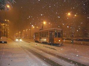 BLIZZARD di Santa Lucia: Nord Italia sommerso dalla neve 16 anni fa, il 13 dicembre 2001