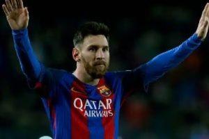 b7cfd99b79 Barcellona-Roma, andata dei quarti di finale di Champions League: due  autogol, giallorossi k.o. Ora serve un miracolo. I voti del match