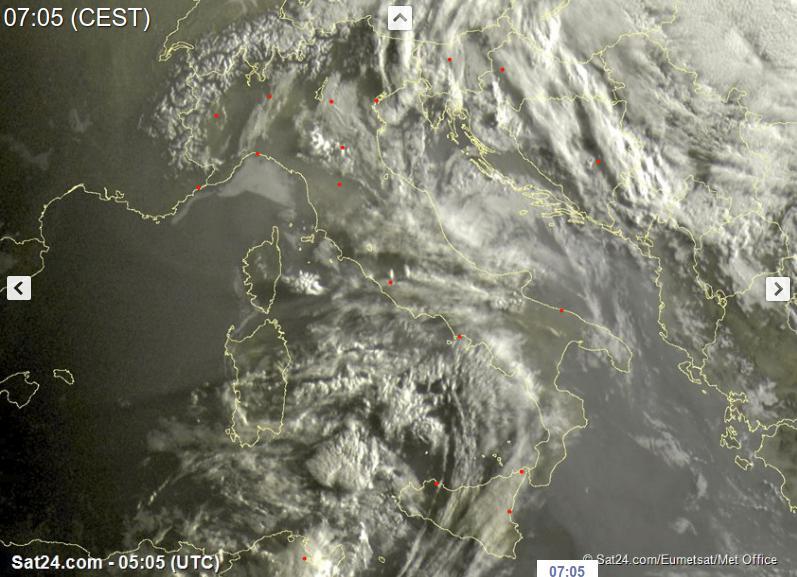 Piogge e temporali sparsi oggi sull'Italia - sat24.com
