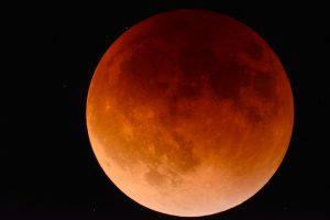 Eclissi totale Luna oggi, venerdì 27 luglio 2018