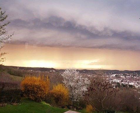 IL METEO. Assaggio d'autunno, weekend di pioggia e temperature in forte calo
