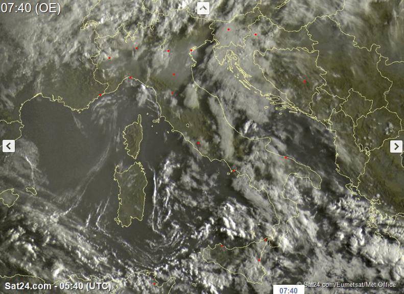 Tempo instabile oggi sull'Italia con piogge e temporali - sat24.com