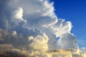 Meteo Italia:  circolazione instabile verso l'affievolimento, ma persistono fenomeni temporaleschi. L'evoluzione attesa sulla Penisola