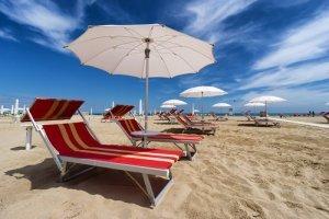 METEO WEEKEND: estate alle battute finali ma temperature ancora sopra le medie in Italia