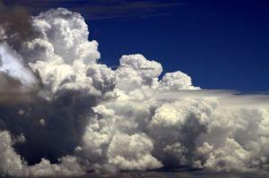 Meteo week end: arrivano sole e clima stabile su gran parte dell'Italia, temporali al Nord Est e Sicilia. Il tempo atteso nelle prossime ore e nella giornata  di domani