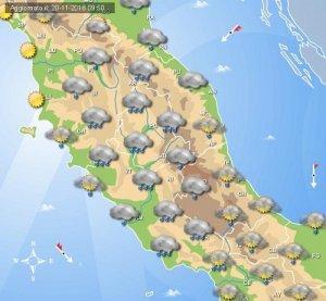 MALTEMPO PROSSIME ORE piogge intense previste tra Toscana, Umbria e Lazio