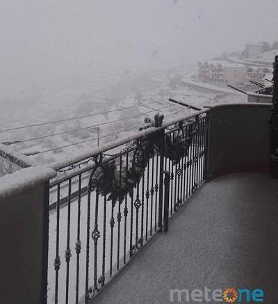 NEVE sul Gargano e risveglio bianco per i centri urbani più elevati.  Monte sant' angelo, Foggia. Fonte meteone.